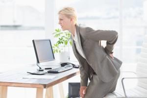 Rückenschmerzen können einen den Job vermiesen!