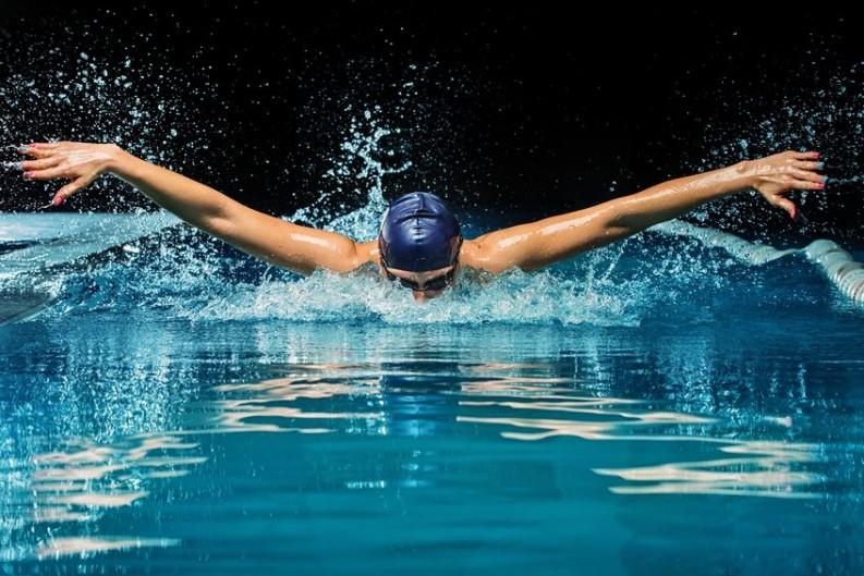 fatburner schwimmen der sport zum abnehmen. Black Bedroom Furniture Sets. Home Design Ideas